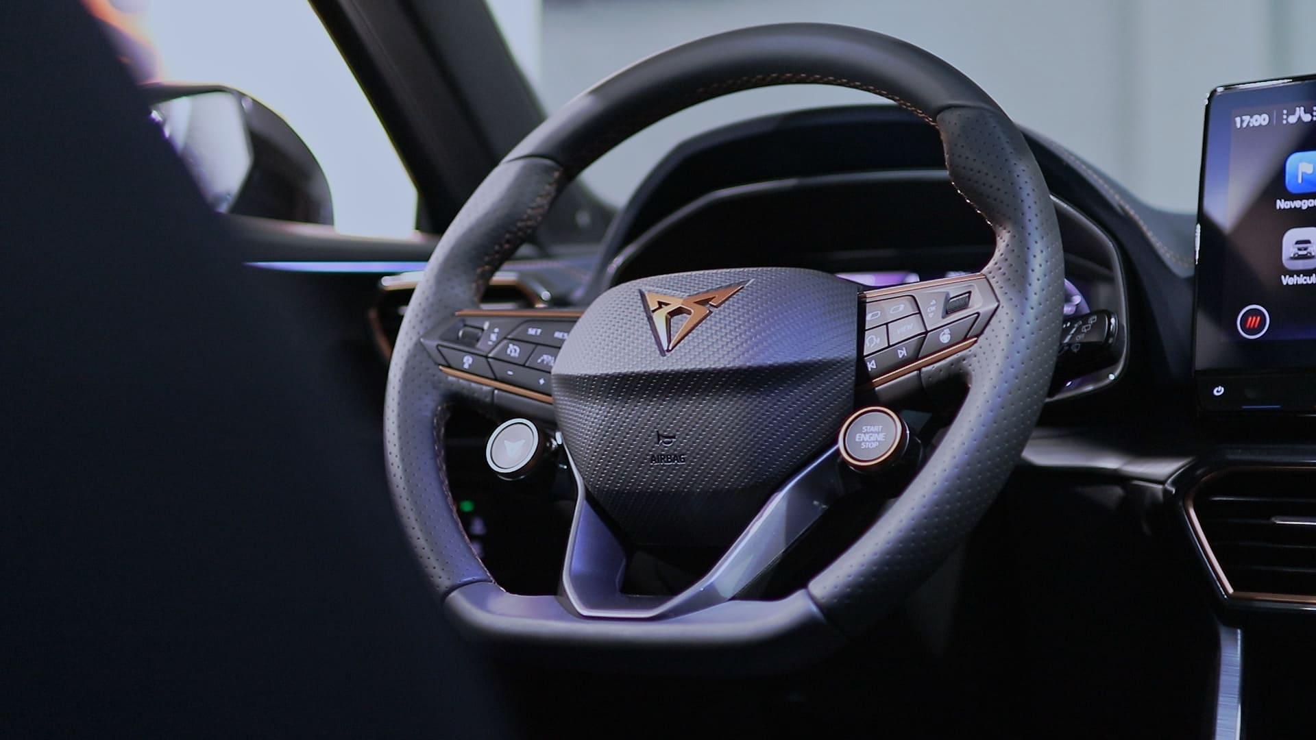 volante-CUPRA-Formentor